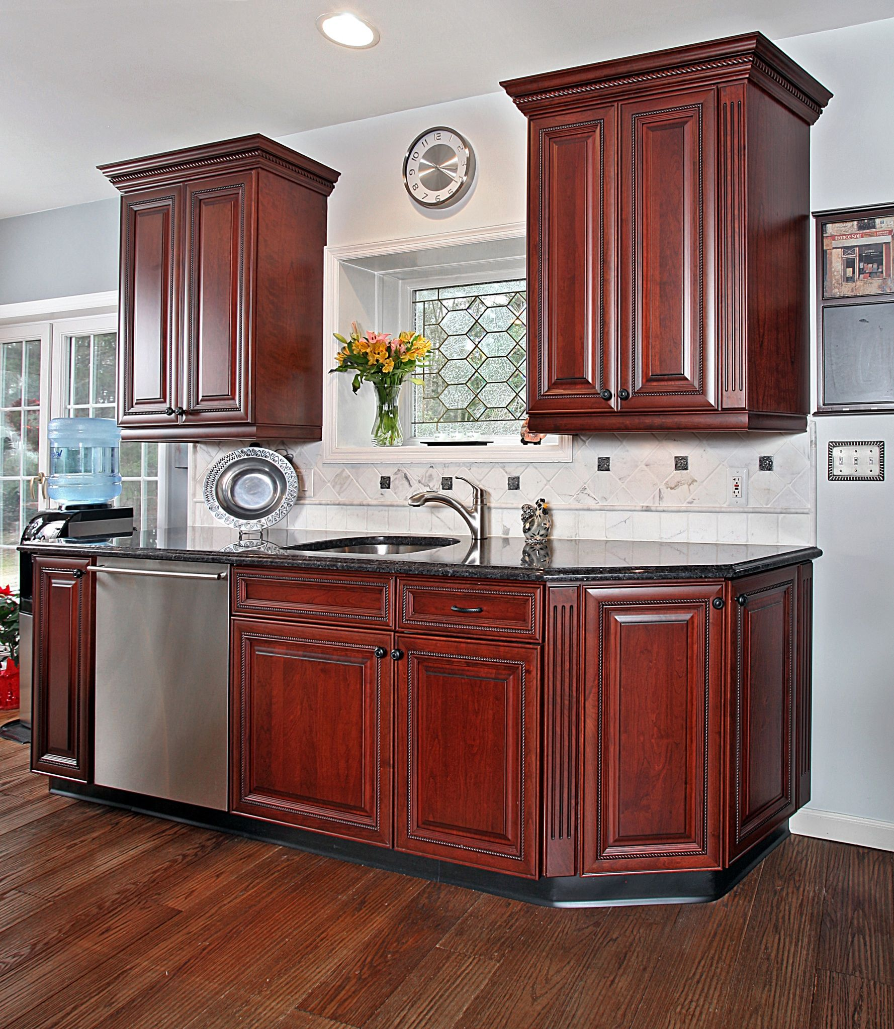 How to Pair Countertop Colors with Dark