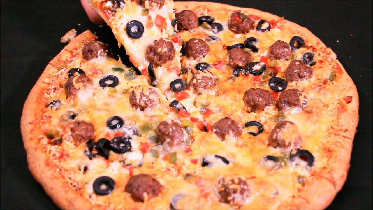 بيتزا المطاعم بالطريقة الإيطالية بجميع مراحل تحضيرها بعجين دقيق القمح الكامل هش وطري وحشوة لذييذة Food Vegetable Pizza Hawaiian Pizza