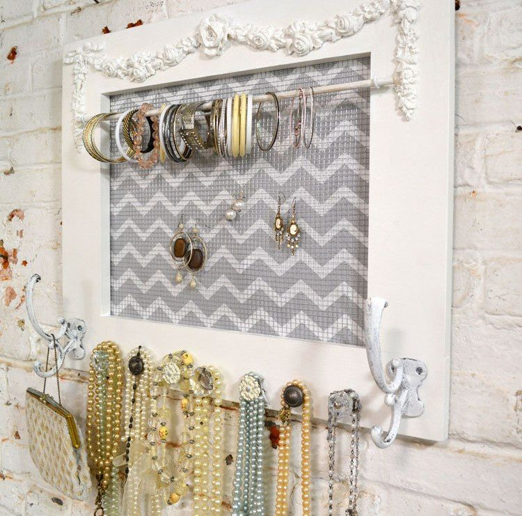 8 Creative Ways to Decorate With Glass Door Knobs Jewellery holder