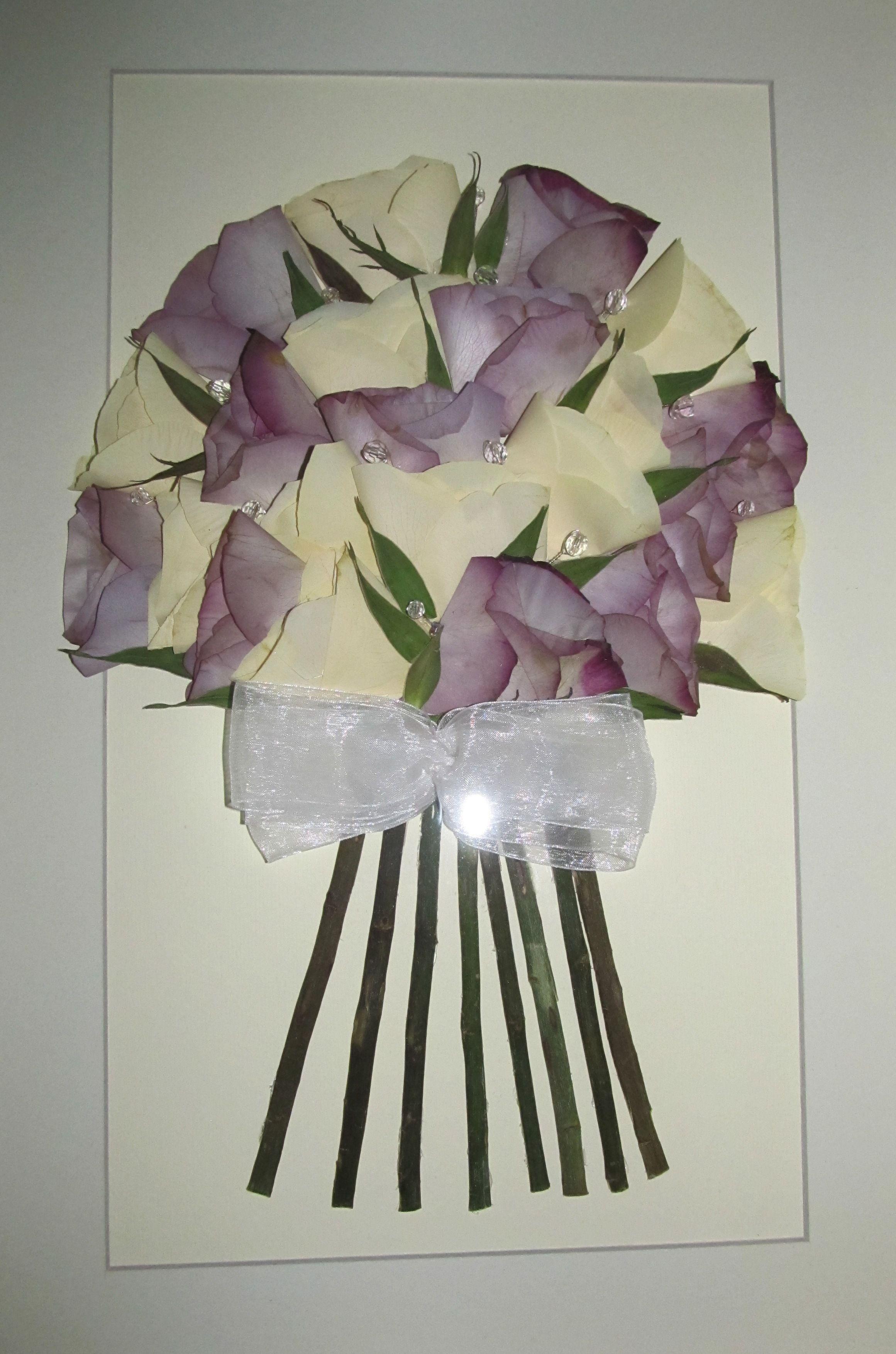 Ramo de novia prensado y enmarcado, rosas malvas y blancas ...