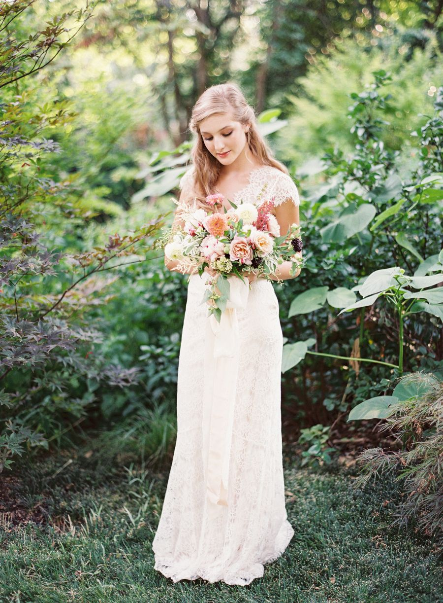 Photography : Kayla Barker Fine Art Photography | Floral Design : Bows And Arrows Read More on SMP: http://www.stylemepretty.com/2016/06/02/see-why-oatmeal-terracotta-are-this-seasons-new-it-colors/