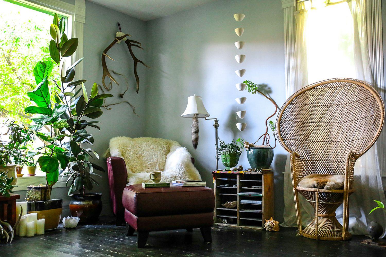 NEST MAG | Living room of The Noisy Plume