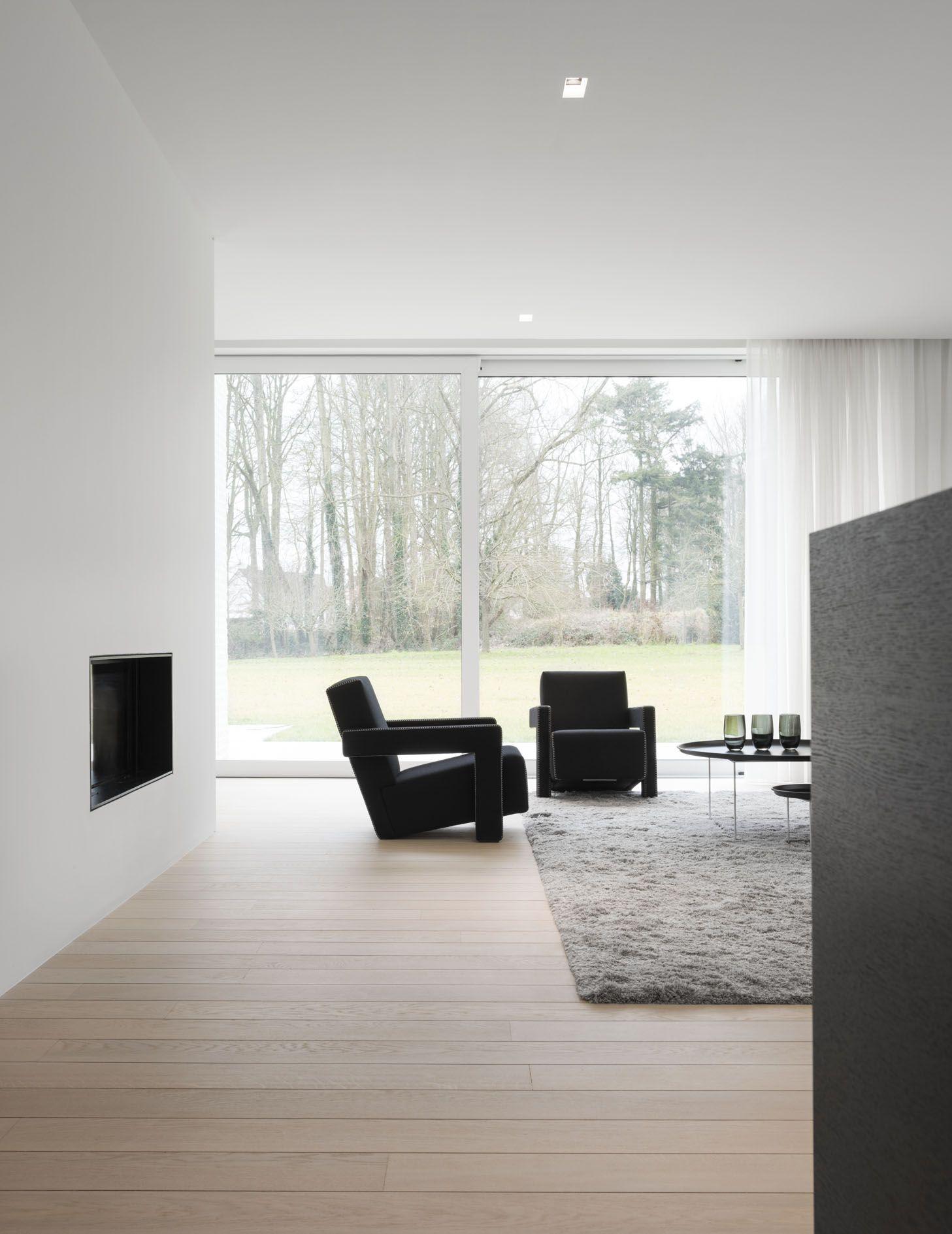 Big Windows Wall Accompanying Minimal Living Room Decor Huis Interieur Interieur Woonkamer Interieur