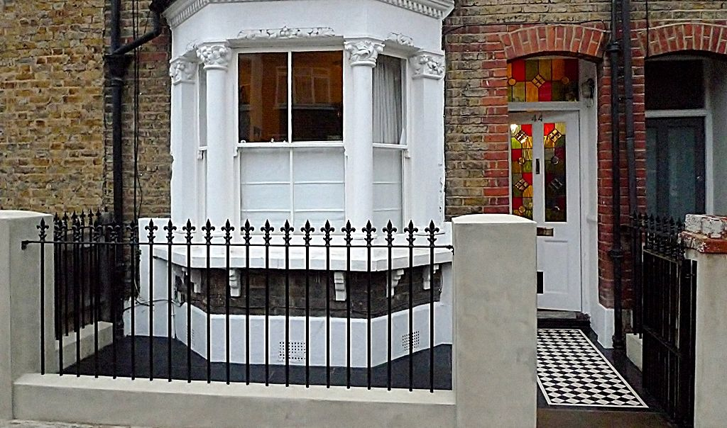 victorian front garden design london metal rail and gate paving and black and white mosaic tile - Front Garden Ideas Terraced House
