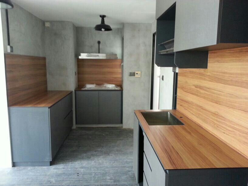 Cement Screed Kitchen Wall