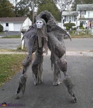 Scary halloween costumes terrifying yard decorations pictures photos scary halloween costumes terrifying yard decorations pictures photos spooky creepy decor workwithnaturefo