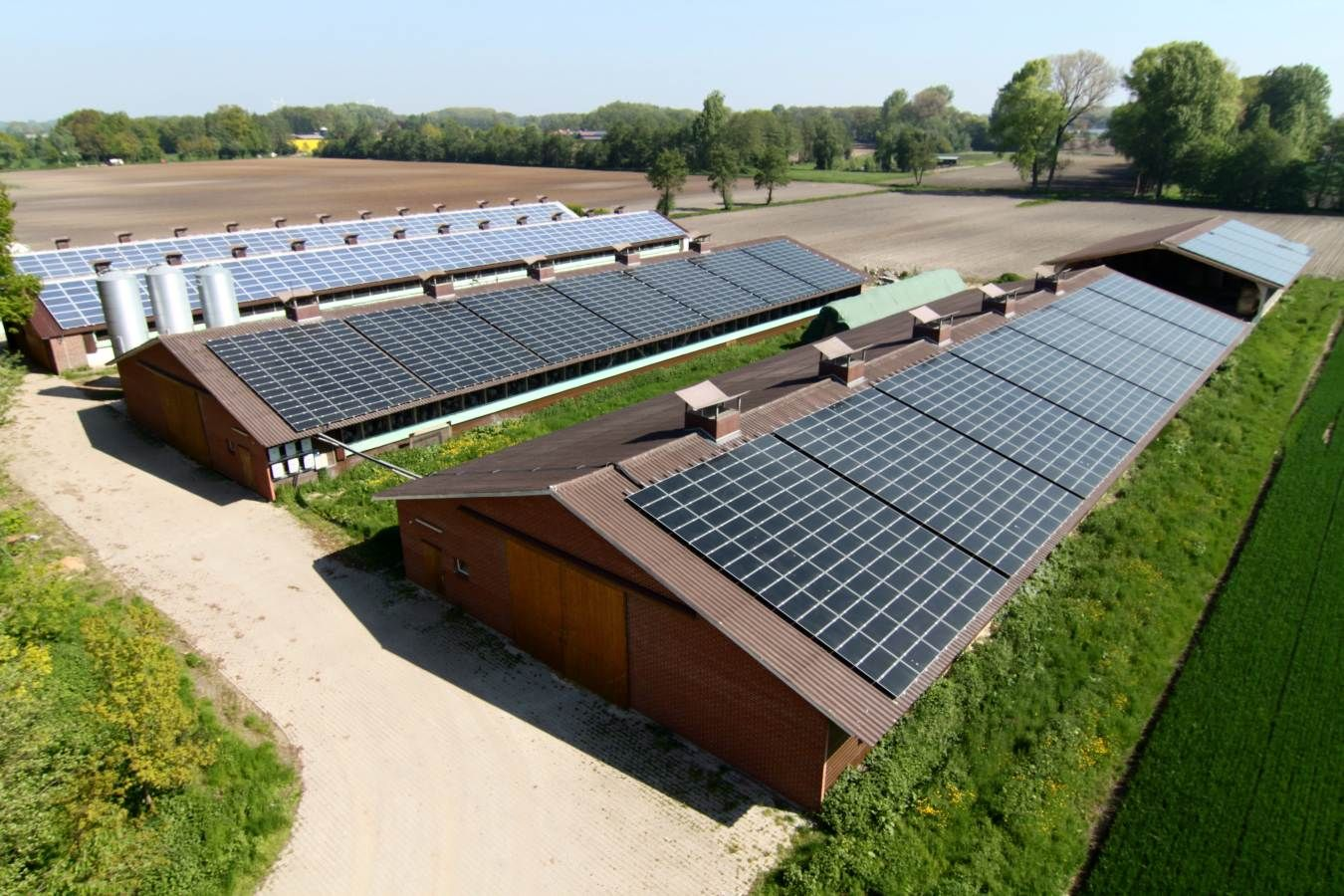 If You Like To Put Up Solar Panels In Your Home You Are Indeed Making A Great Choice Not Only For The Environment But For Your P Farm Design Solar Farm