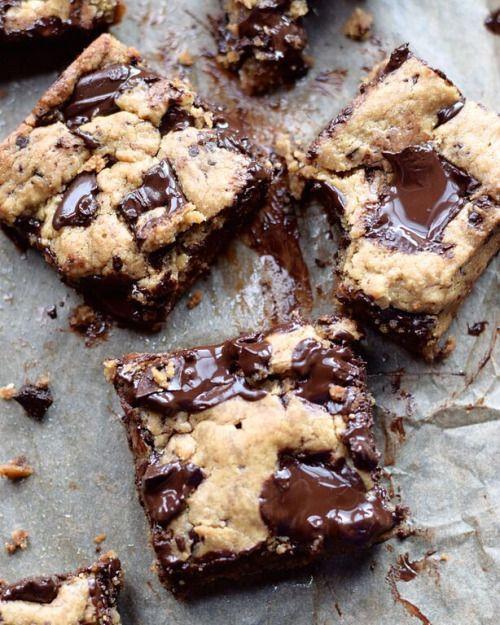 yumi-food:  CHOCOLATE CHUNK NUT BUTTER BLONDIES RECIPE