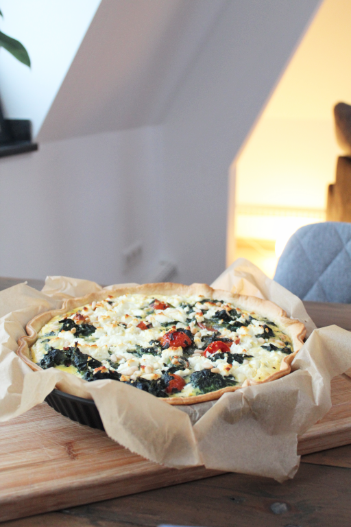 Photo of Blätterteig-Quiche mit Spinat und Feta –