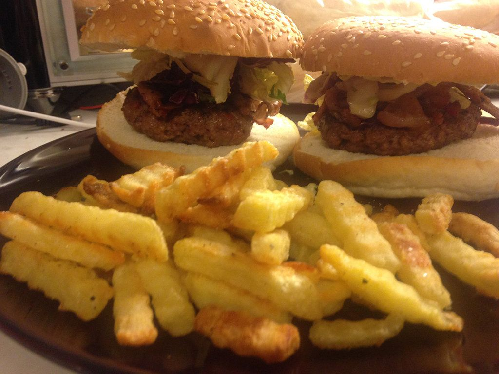 Grillbys burger and fries from Undertale Recipe done by Avai on