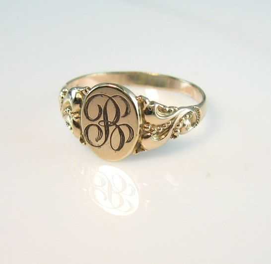 Unique Antique Victorian Yellow Gold Signet Ring Letter B Engraved  JV38