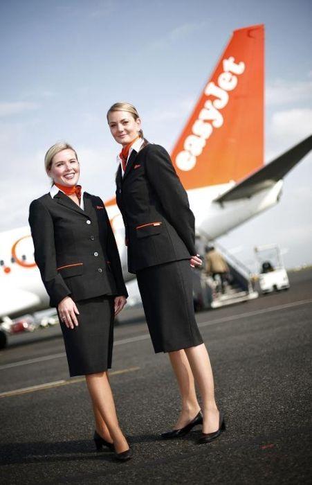 Cabin Crews Around The World Easy Jet Cabin Crew Stewardessen