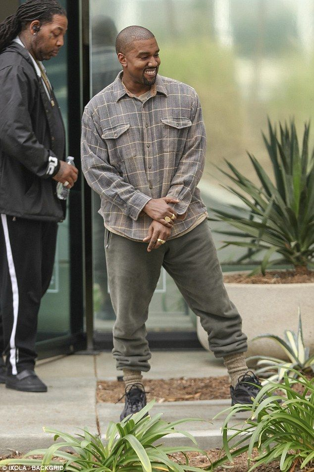 Kanye West Flashes Rare Smile As He Steps Out Kanye West Outfits Kanye West Style Kanye West