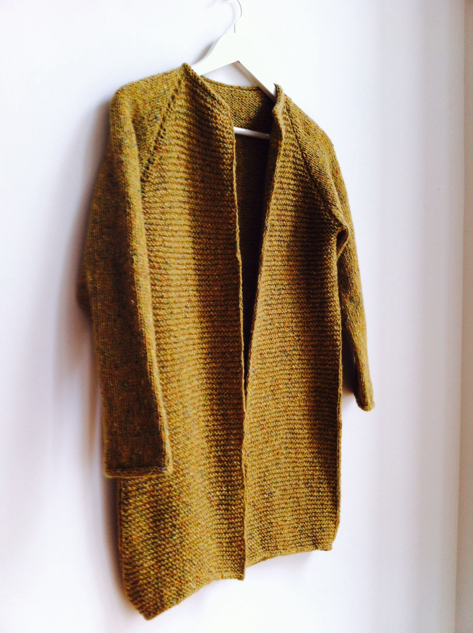 Pattern Fall Coat by Pickles, knitted in Donegal Raw from Garnudsalg