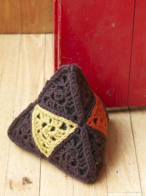 Free Crochet Pattern 90534ad Weighty Welcome Doorstop Lion Brand