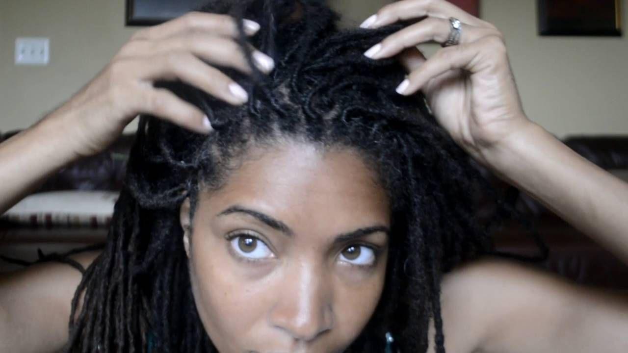 How I Moisturize My Scalp Without Oil Ii Seborrheic Dermatitis Solution Youtube Scalp Dermatitis Hair Twists Black Scalp Moisturizer