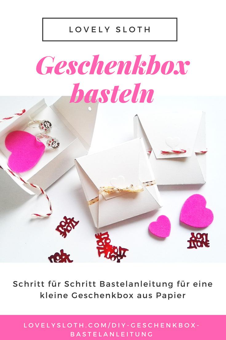 Wir haben eine Bastelanleitung für eine Geschenkbox aus Papier mit Vorlage zum Ausdrucken erstellt. Die DIY Schachtel eignet sich für Schmuck, Teebeutel, Schokolade, Briefe und vieles mehr. Geschenkbox für Valentinstag, Geburtstag, für die beste Freudin, den Freund, für Weihnachten #geschenkidee #geschenkbox #packaging #valentinstag #giftwrapping