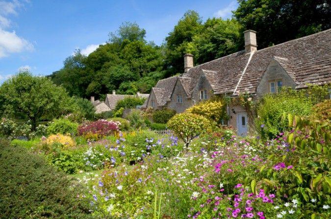 Cute Cottage Garten Gestaltungsideen f r einen romantischen Garten im englischen Stil