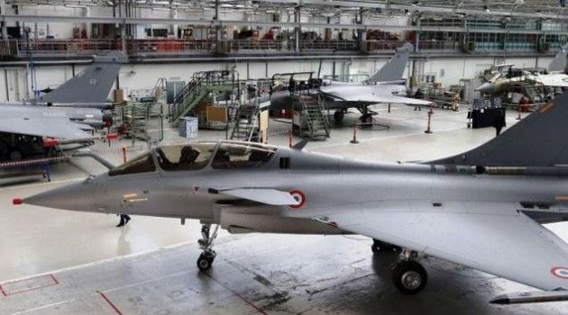 "French fighter talks deadlocked over cost, offset stipulation Four months since the announcement by Prime Minister Narendra Modi of direct purchase of 36 Rafale fighters from France citing ""critical operational necessity"" of the Air Force, price negotiations are stuck again due to differences over cost and offset requirements."