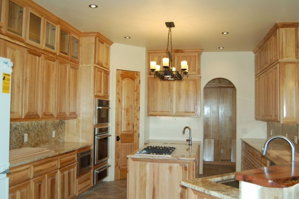 Best Lowes Kitchen Models Cool Hickory Kitchen Cabinets 640 x 480
