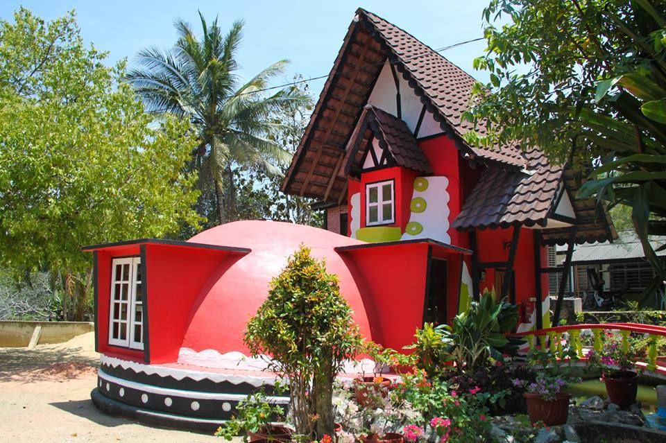 Pin By Nadia Johari On Travel Outdoor Decor Bird House Decor