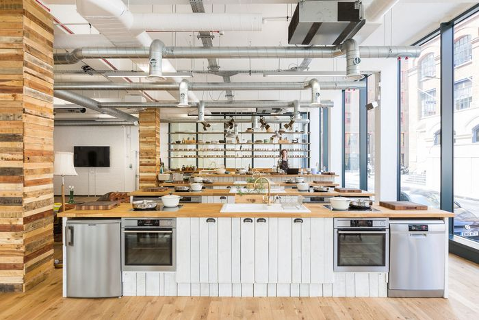 Hello Fresh Offices London Office Snapshots Commercial Kitchen Design Cooking School Interior Cooking School Design