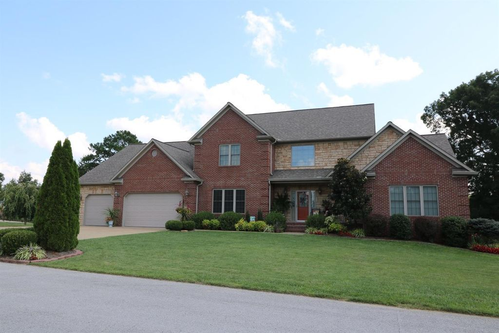 131 Hanover Dr London Ky 40741 Mls 1719615 Zillow House Styles House London
