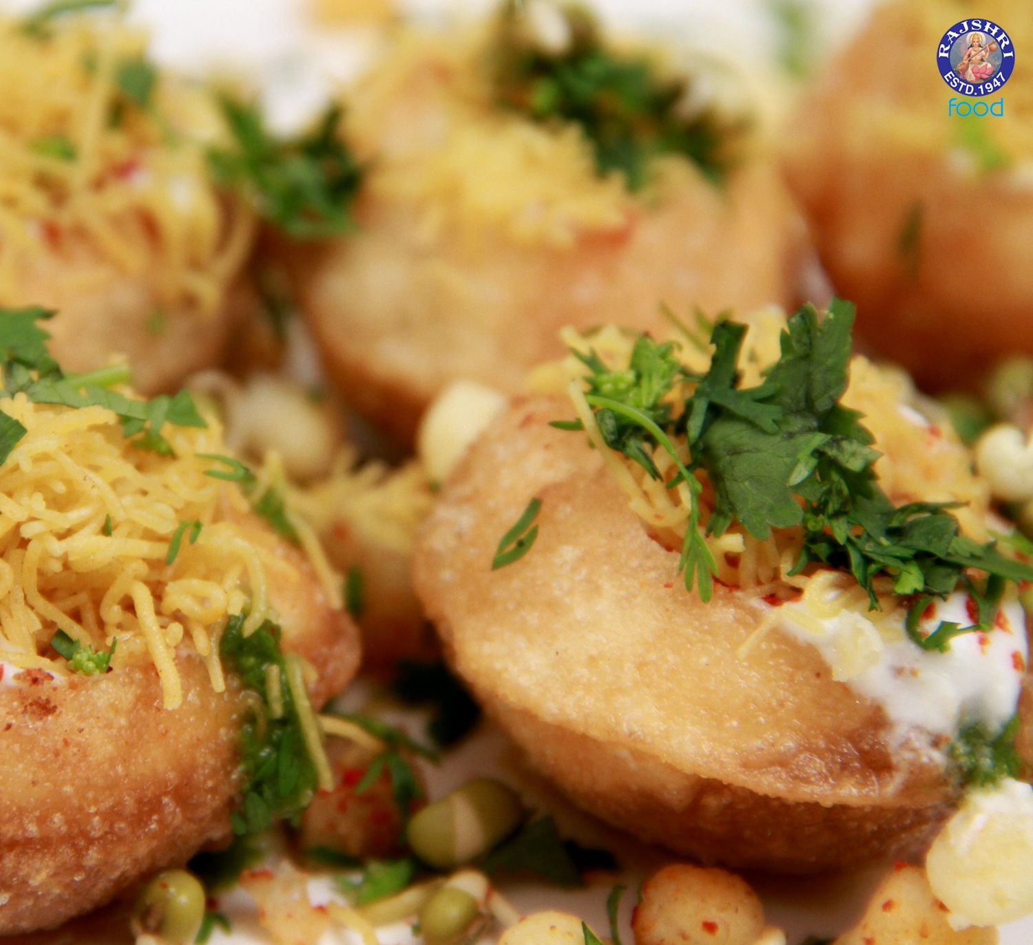 Dahi puri indian curd canape vegetarian fast food for Vegetarian canape