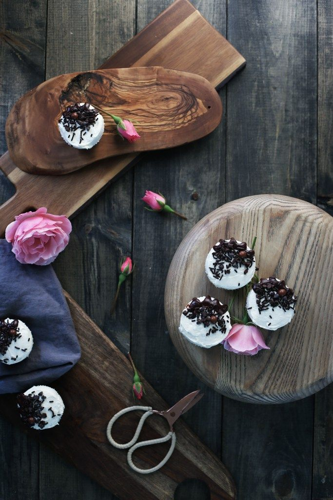 Chocolate cupcakes with ermine vanilla bean frosting