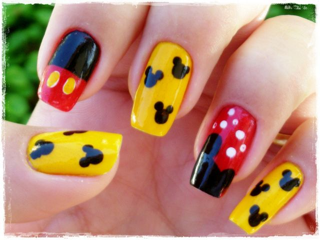 Traditional Mickey Mouse Nail Art Manicure | Nails | Pinterest ...