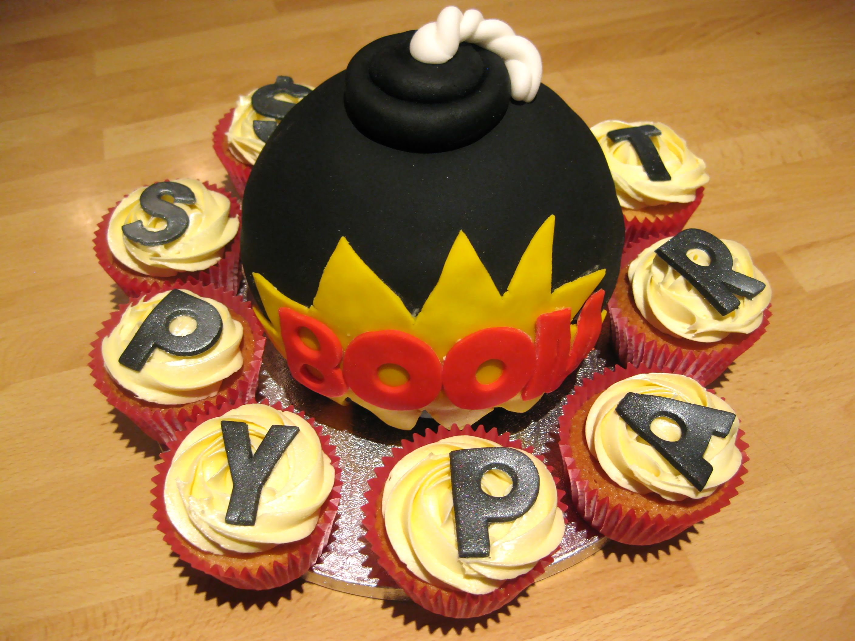 Magnificent Spy Party Bomb Cake How To Create A Fugative The Cia Pentagon Funny Birthday Cards Online Inifodamsfinfo