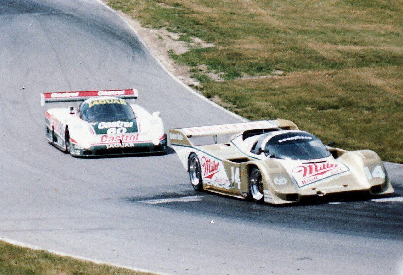 (14) Chip Robinson / Derek Bell Porsche 962 Holbert