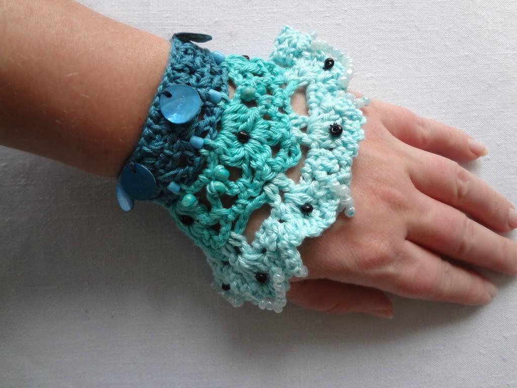 10 Creative Crochet Bracelet Patterns | Armbänder, Stricken häkeln ...