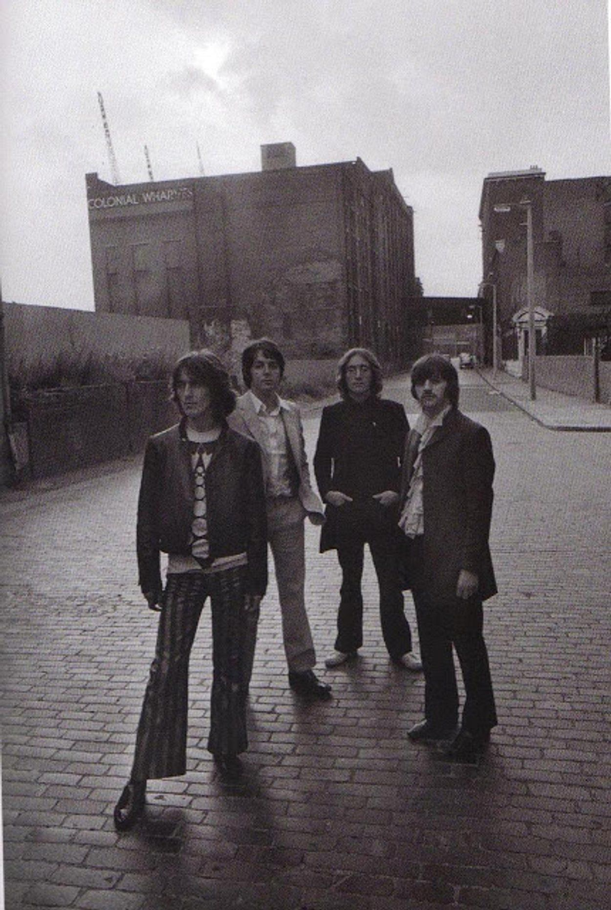 Rare And Interesting Pictures Of The Beatles From The Mad Day Out Photo Session In The Summer Of 1968 Vintage E The Beatles Beatles Pictures Beatles Photos