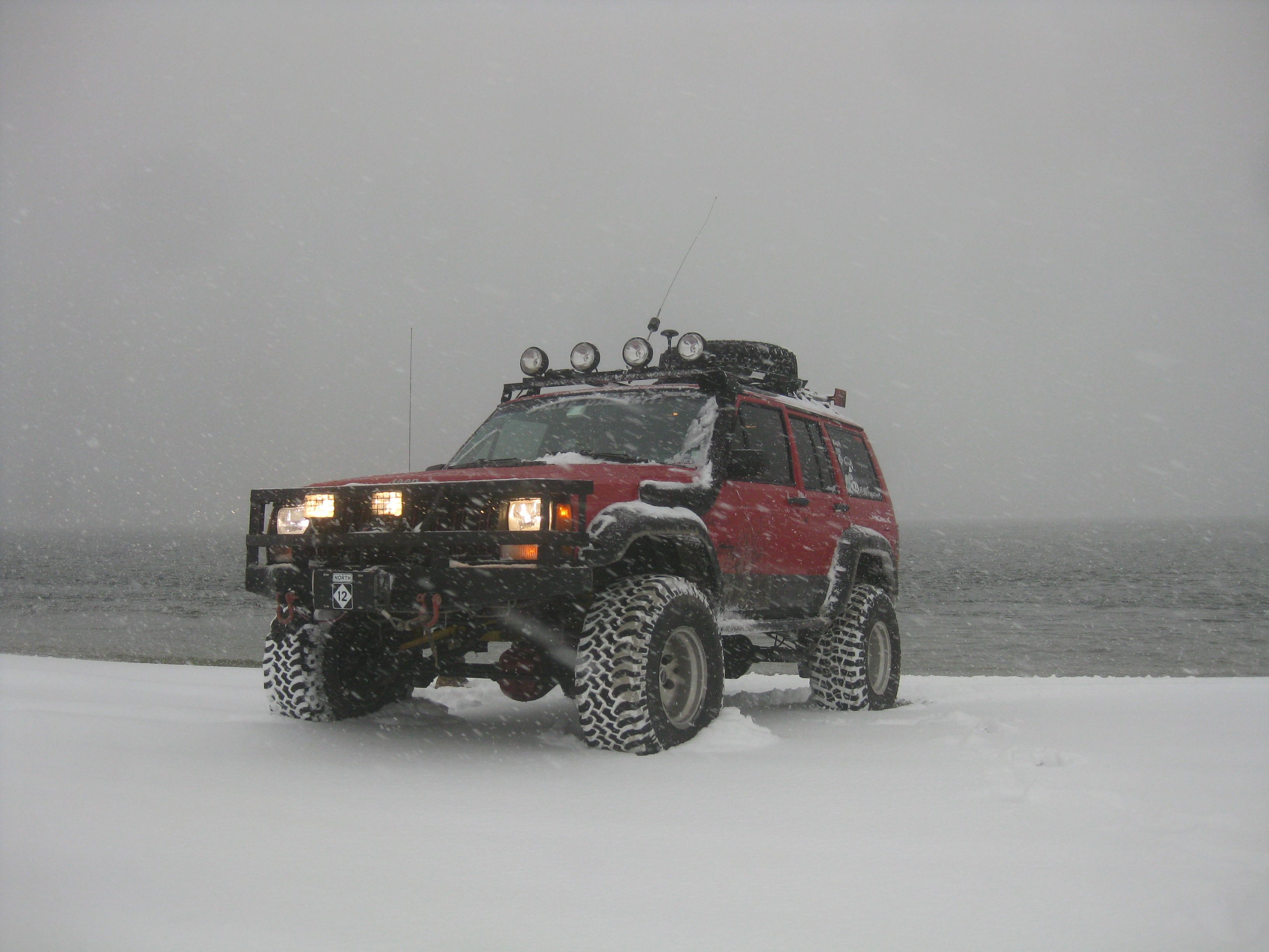 Jeep Cherokee Xj Xjae In The Snow At The New River Inlet North Carolina Ideal Retirement Vacation Jeep Cherokee Jeep Cherokee Xj Jeep Cars