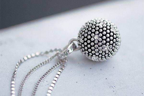 AC Jewellery Design Oslo. Arts & Crafts. Fashion. Jewellery. Diamond Ball. Silver. Necklace. Nature. Swarovski.