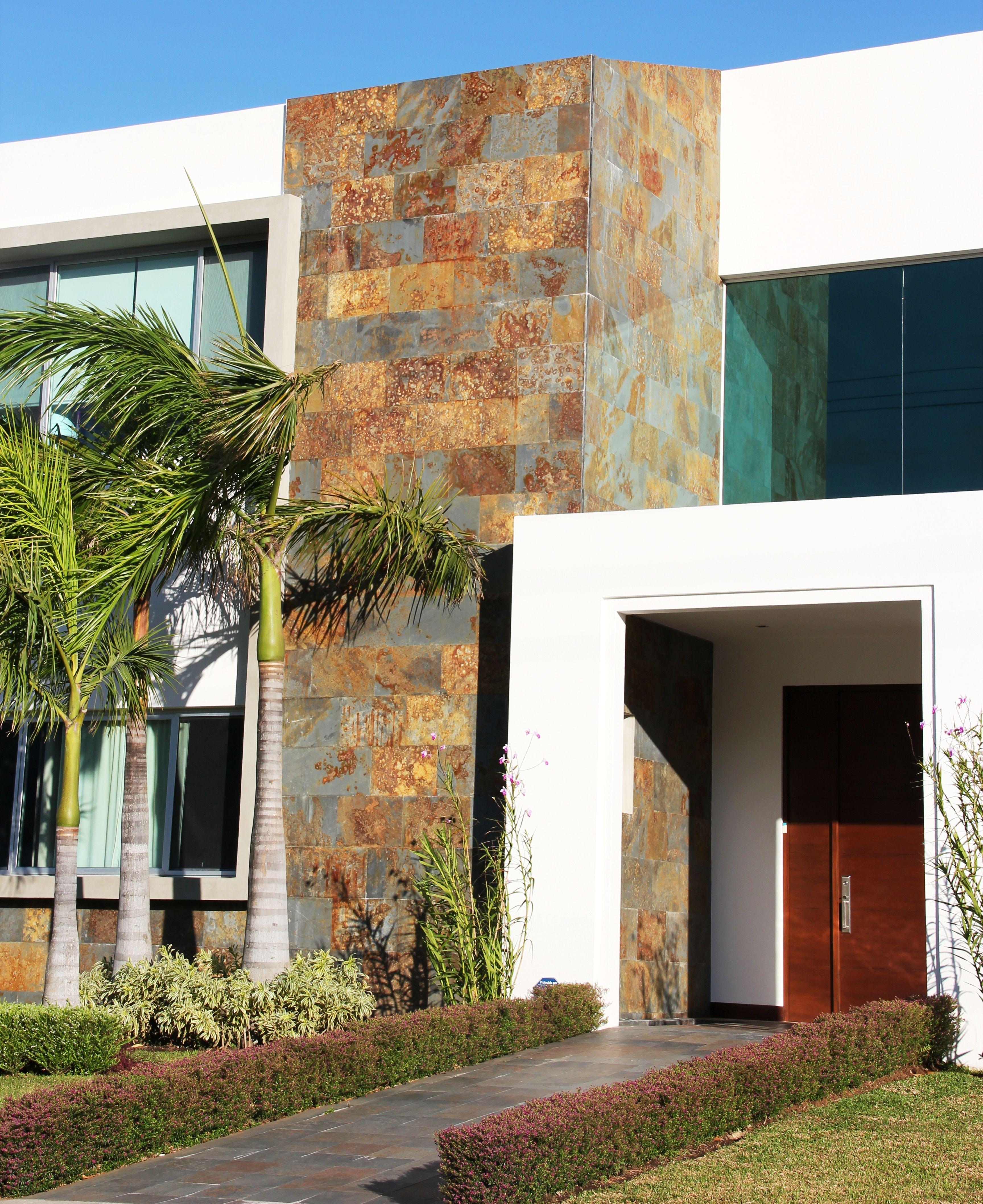 Piedra Pizarra Oxidada Buscar Con Google Casas Exteriores De Piedra Revestimiento De Piedra Fachadas De Casas Infonavit