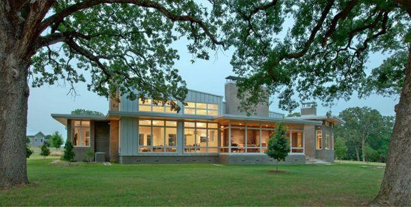 Contemporary Ranch in Texas Showcasing a Precious Interior