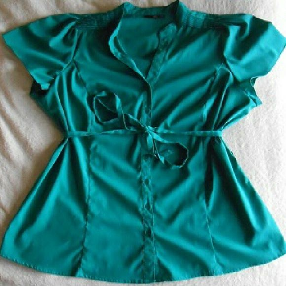 Teal/Aqua 2x East 5th Tie Blouse Super cute 2x East 5th teal/Aqua blouse. The belt comes with it but the last picture I took to show its even cute without the belt! The corner right picture I took with a high quality camera in natural light to showcase the gorgeous colour! ?? ??  Feel free to comment, like, share, bundle, and / or negotiate! ?? ?? ?? ?? Thanks! East 5th Tops Blouses
