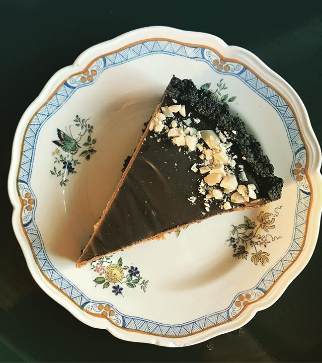 Raising a slice of (vegan) Peanut Butter and Chocolate Pie to #iwd2018 and all my female pals and supporters!