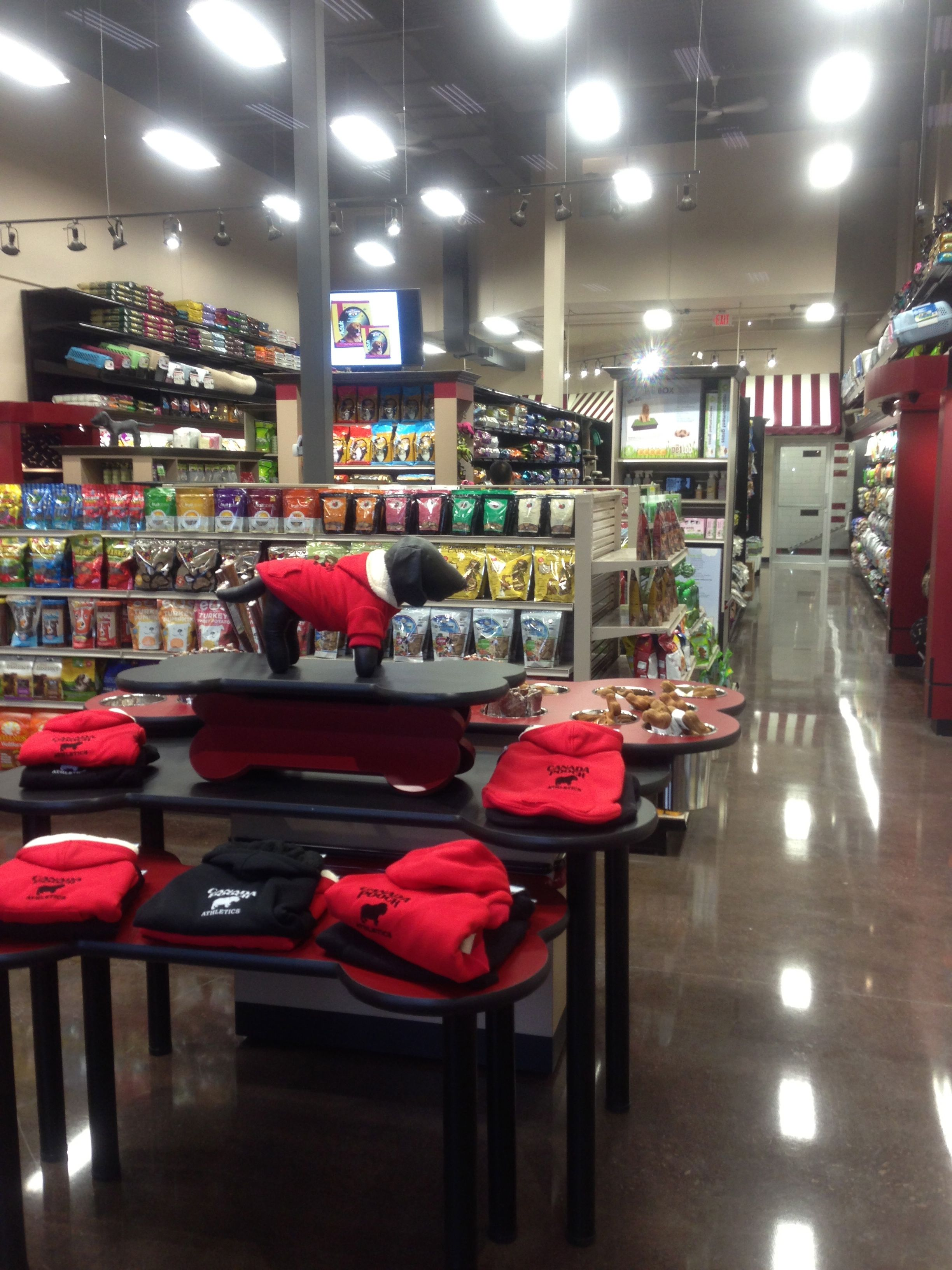 Global Pet Foods Is Thrilled To Announce That A New Store Opened In Unionville Ontario The Store Is Located At 4 Pet Store Ideas Dog Boutique Ideas Pet Store