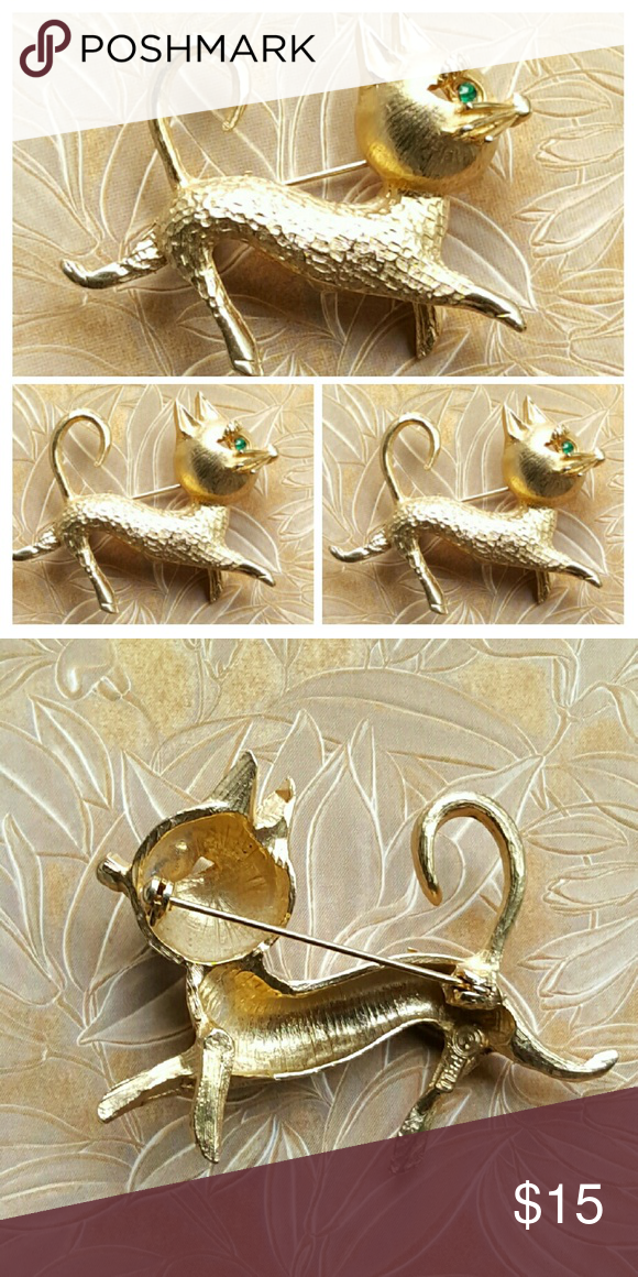 """Vintage Prancing Cat Brooch Signed PELL Very good to excellant vintage condition.  Goldtone textured construction and green rhinestone eye. Measures: 3"""" x 1.75"""". Vintage Jewelry Brooches"""