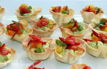 A Fresh And Easy Finger Food Idea For The Party Season Avocado Salsa Bites Take Advantage Of New Produce