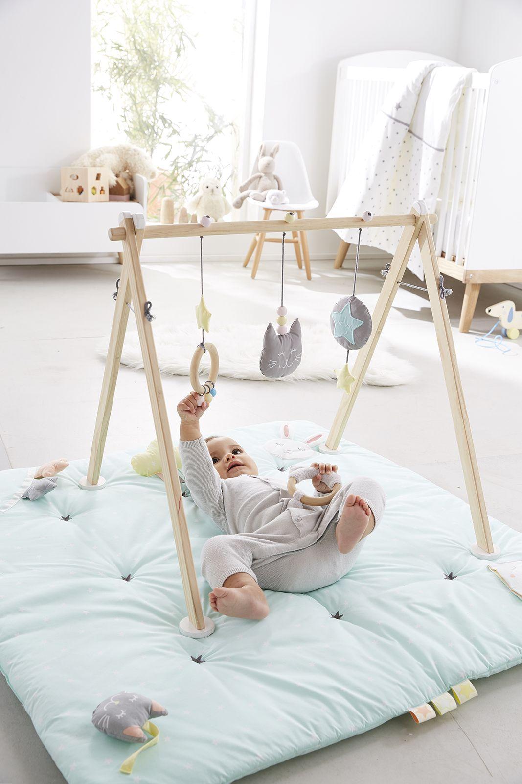 portique d 39 veil en bois bois les indispensables de. Black Bedroom Furniture Sets. Home Design Ideas