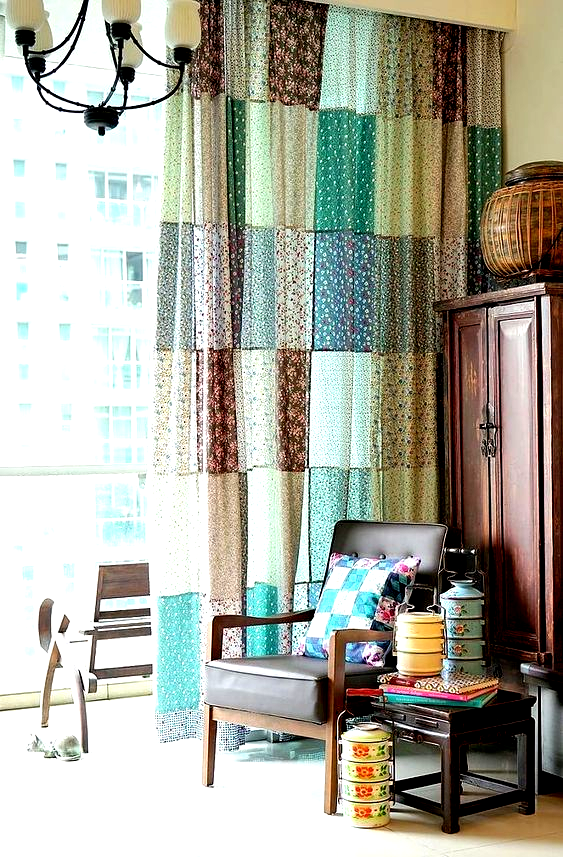 These patchwork curtains are a lovely accent for a living room or bedroom. Its a simple sewing project that even a beginner can tackle. #sewing #sewingtutorial #sewingtips #curtains #patchwork #patchworkcurtains #livingroom #bedroom #homedecor #craftgossip