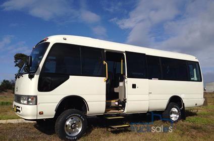 efe488dddf Resultado de imagem para 4x4 Toyota Coaster Bus
