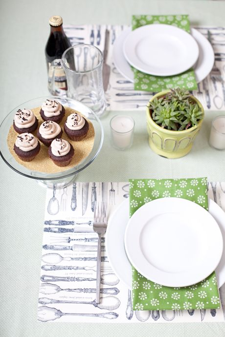 a charming st. patrick\'s day table setting   Spring Fever   Pinterest