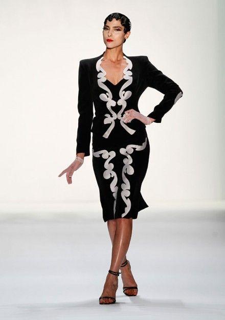 Die latest #Fashion News - live vom #Catwalk