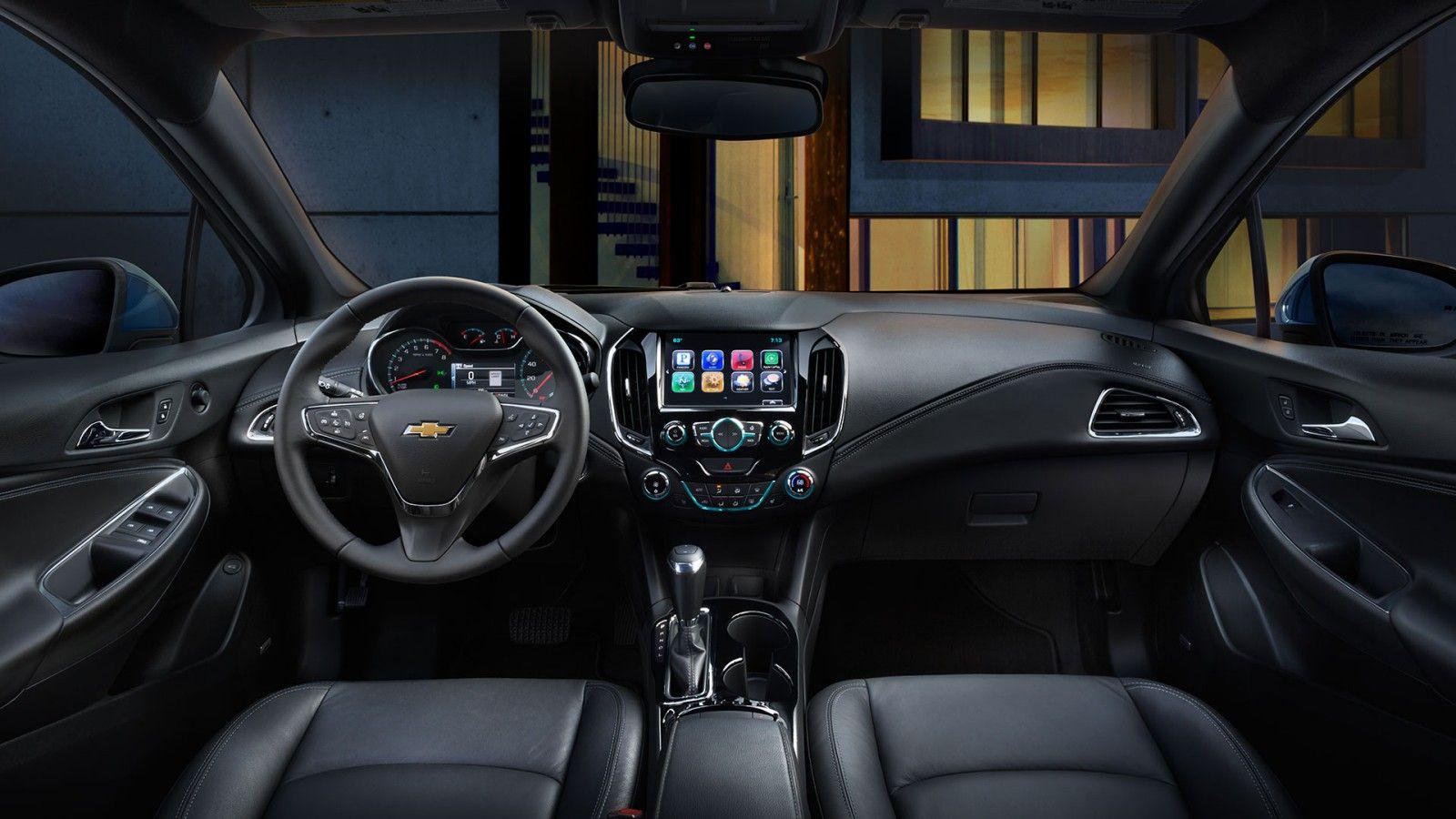 2017 Cruze Compact Car Interior Pit