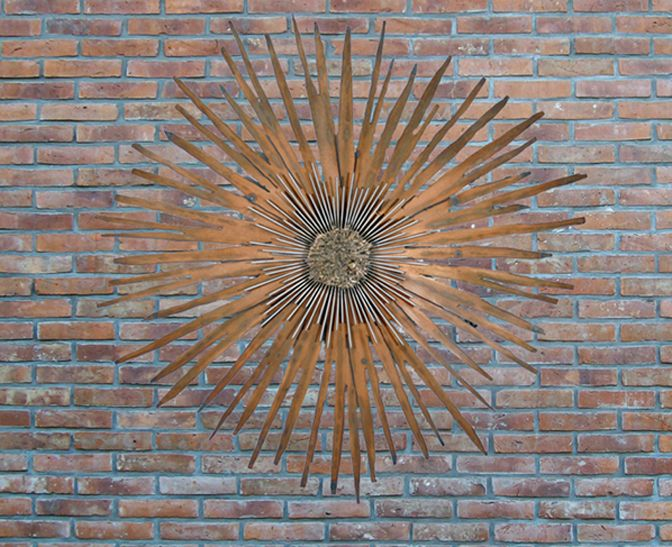 Exceptionnel Best Designs For Outdoor Wall Art: Gorgeous Metal Sunbirst Outdoor Wall Art  Brick Wall ~
